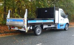 3.5t Steel tipping body with tail lift