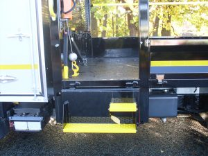 Steel underfloor tipping body fitted with working at height rails